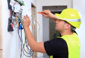 Five Reasons To Call An Electrician ASAP