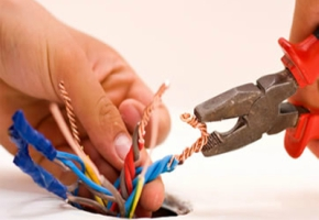 Why Hire a Licensed, Experienced Electrician?