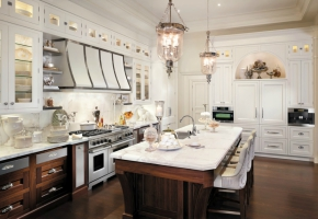 A Bright Idea! Use Custom Kitchen Lighting to Make Life Easier